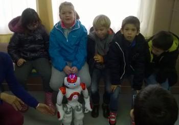 Le robot NAO à la rencontre des usagers de la Pépinière
