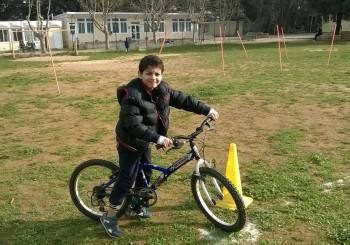 Kart à pédales, tricycles et trottinettes